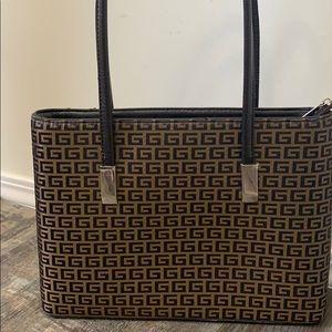 🌻3/20 Cute G purse great cute